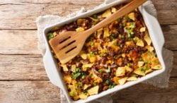 Nachos con carne y queso al horno, receta de una cena de capricho fácil de preparar