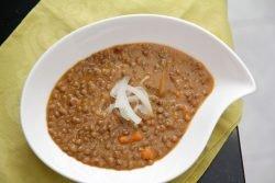 Lentejas estofadas súper cremosas con miso y jengibre