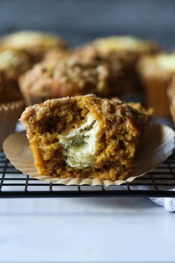 Muffins de calabaza y queso crema (Starbucks Copycat)