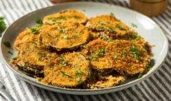 Libritos de berenjena rellenos de pollo, receta de una cena fácil