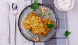 Tortilla de calabaza con langostinos, receta de cena ligera fácil de preparar